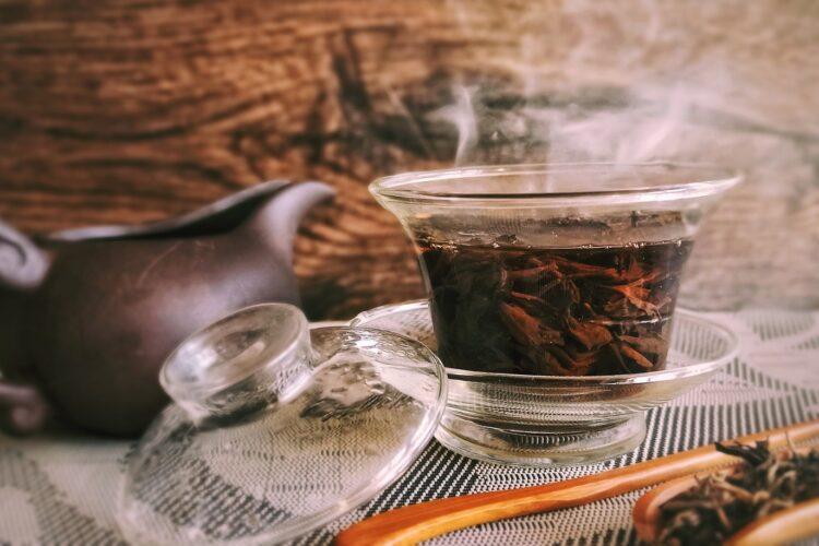 parzenie herbaty w gaiwanie